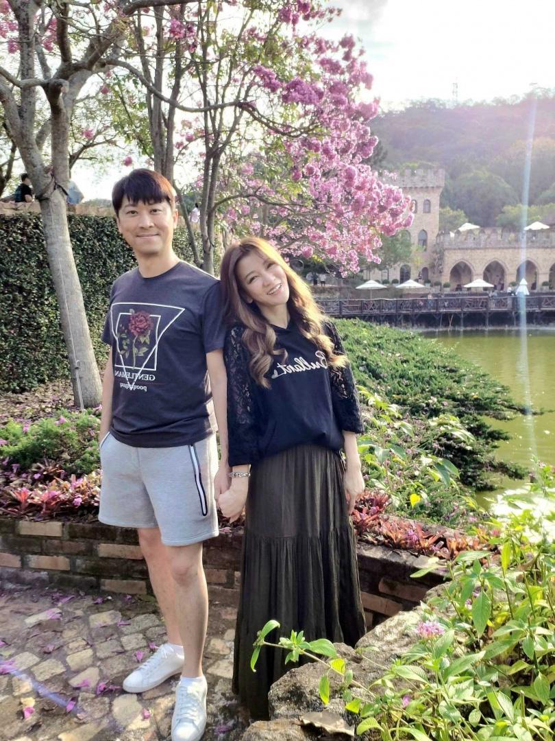藝人侯昌明與老婆曾雅蘭。(圖/翻攝自曾雅蘭臉書)
