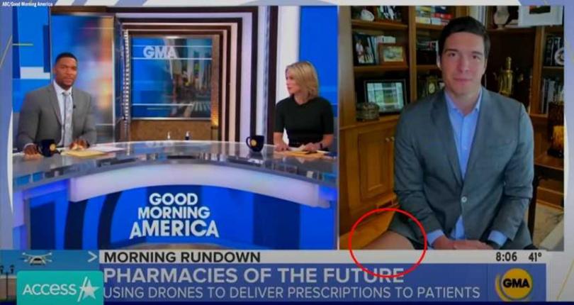 已故「超人」之子威爾李維(右)是一名電視台記者,近日他在家上班與棚內主播連線,結果下半身沒穿褲子的「秘密」,透過鏡頭大放送。(圖/翻攝自YouTube)