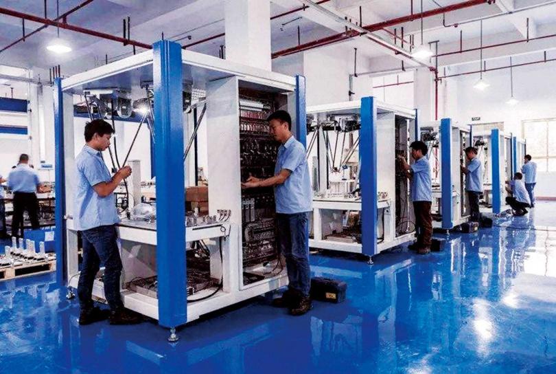 玻璃基板大廠藍思科技的廠房,作業區井然有序,獲蘋果倚重。(圖/翻攝自百度網站)