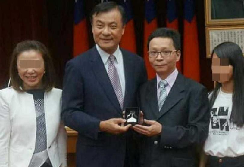 陳男遭起底為中華國際珠心算數學腦訓學會前理事長。(圖/翻攝畫面)