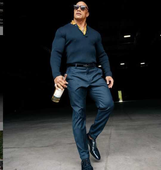 好萊塢肌肉男星巨石強森。(圖/翻攝自therock IG)