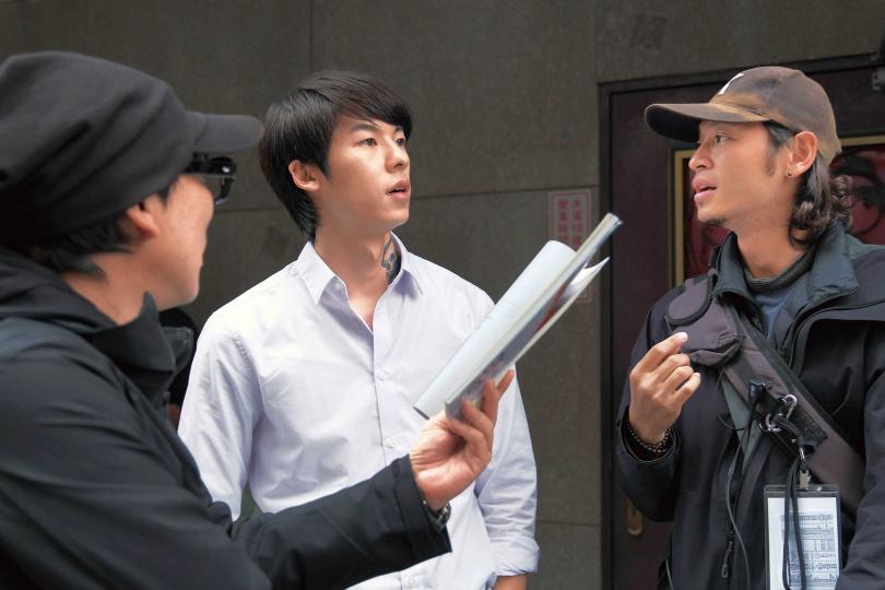超高人氣的「國民男友」許光漢也現身《路》劇,飾演邵雨薇的弟弟。(圖/公視提供)
