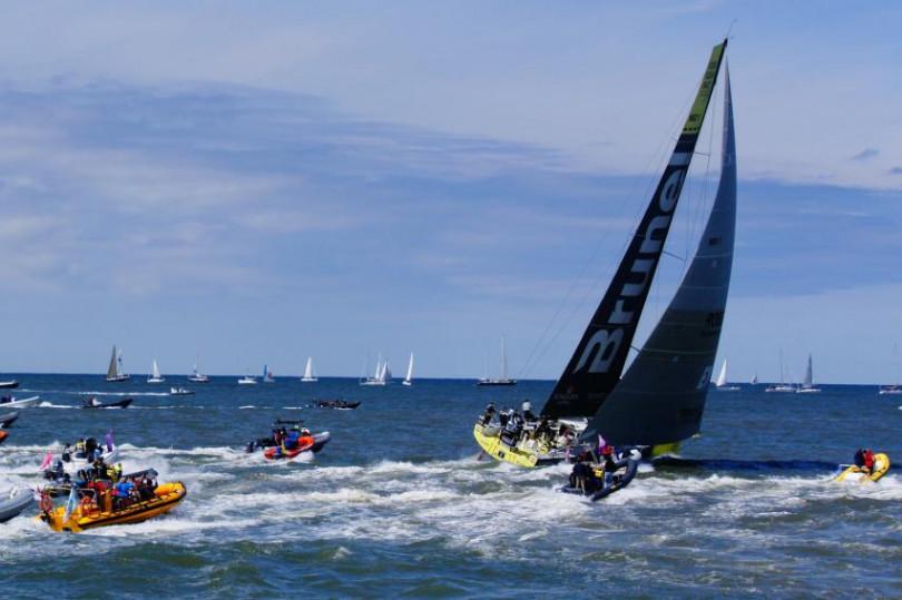 在四面環海的台灣已經有相當多人在從事帆船休閒及競速活動。(圖/康斯登)