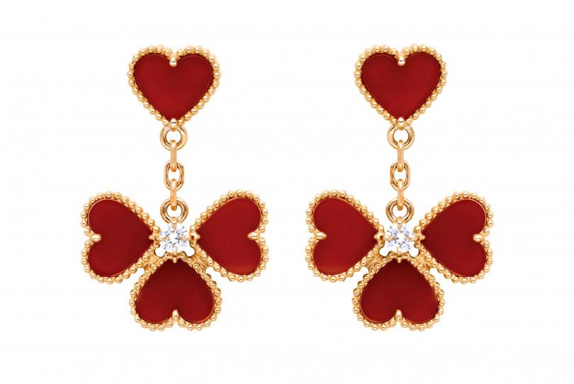 Van Cleef &Arpels「Sweet Alhambra系列」Effeuillage耳環╱220,000元(圖╱VanCleef & Arpels提供)
