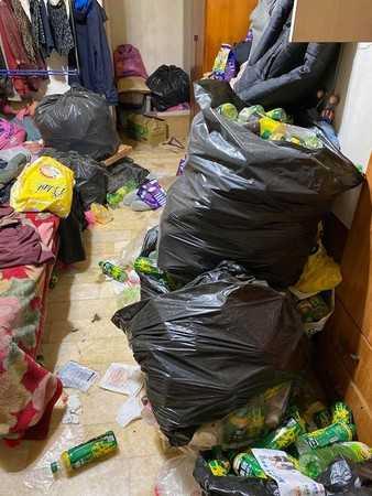 哥哥房間塞滿垃圾,讓妹妹看了超崩潰!