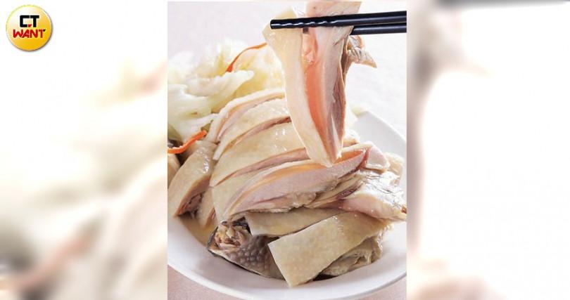 有肉凍的白斬雞腿,名列儂來招牌人氣料理第一名,軟嫩香鮮、老少咸宜。(攝影/馬景平)
