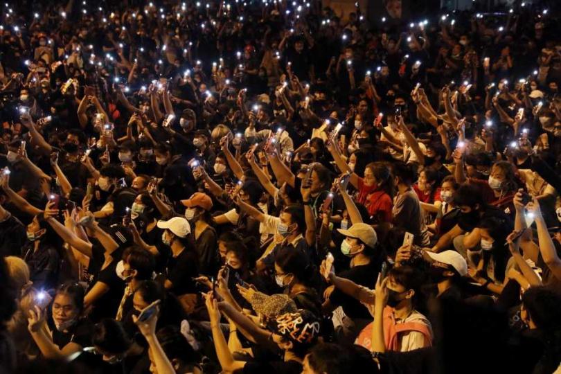 泰國爆發大規模的反政府抗議活動。(圖/Reuters)
