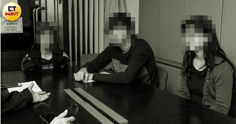 多名老師看不下去劉員池對學生施暴且校長李水德還企圖掩護的行徑,出面揭發。(圖/張文玠攝)