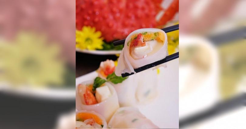 「帝王蟹腸粉」選用3公斤帝王蟹腳入菜。(圖/六福旅遊集團提供)