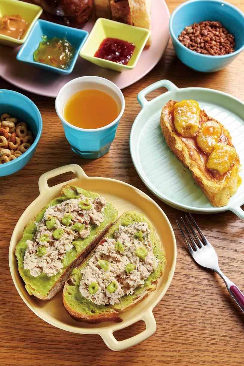 住宿早餐除傳統小卷米粉之外,新增鮪魚酪梨、法式香蕉吐司等西式選項。(圖/焦正德攝)