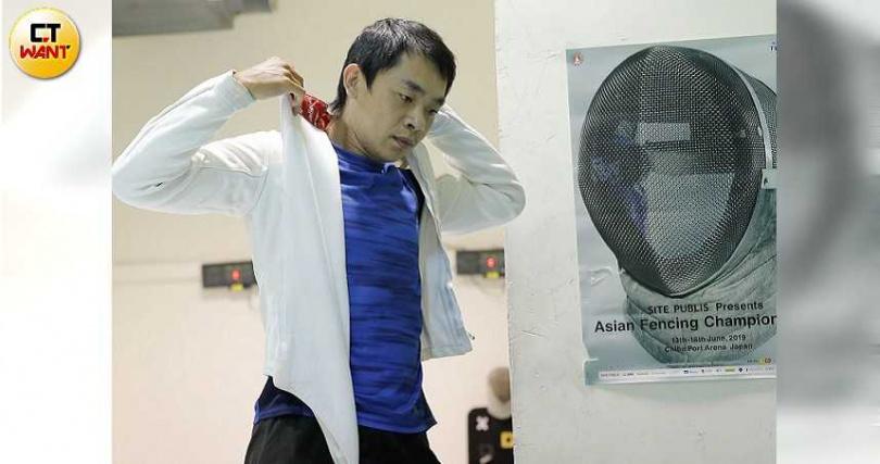 擊劍選手陳俊辰有13年擊劍資歷,表現亮眼,卻連續二年在全運會選拔賽遭吹黑哨,失去代表權。(圖/黃耀徵攝)