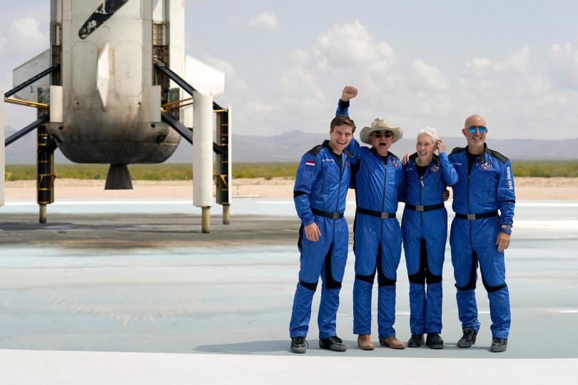 貝佐斯日前完成太空旅程。(圖/達志/美聯社)