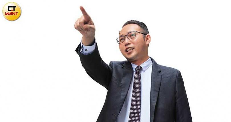 寬頻房訊發言人徐華辰表示,不少人趁著搬入浮洲合宜宅前,假造「債權證明」法拍資產。(圖/張文玠攝)