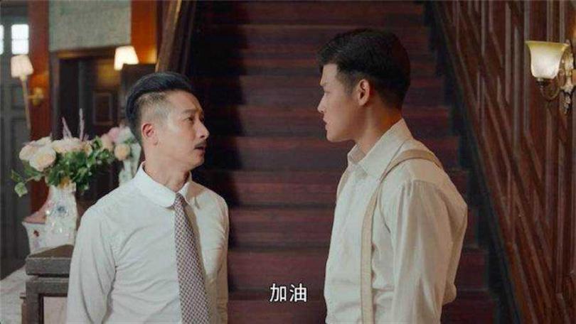寇家瑞(右)在《小娘惹》中與邱凱偉(左)是叔侄關係。(圖/摘自官微)