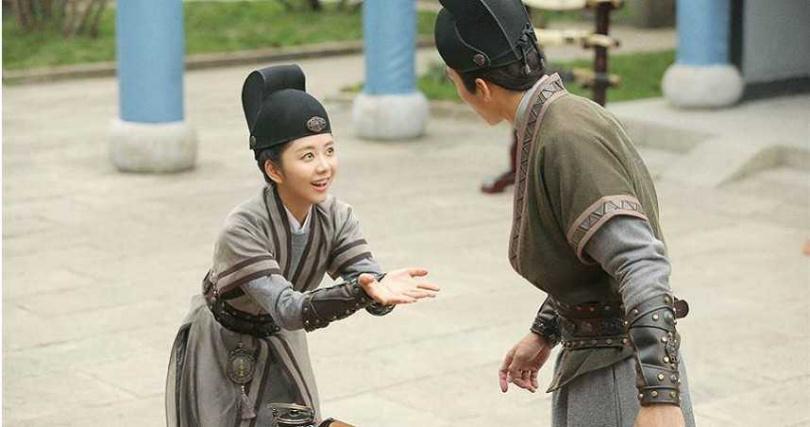 譚松韻在《大明錦衣衛》飾演古靈精怪的女捕快今夏。(圖/中天娛樂台提供)