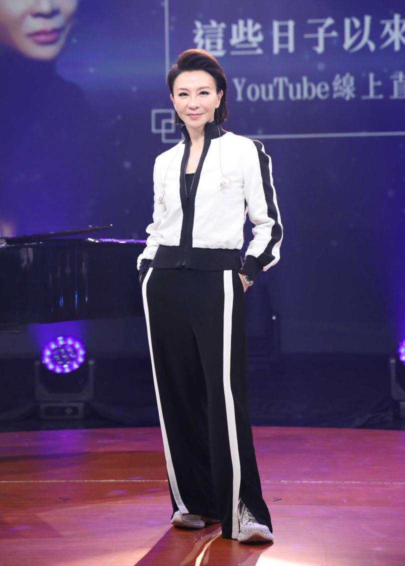 范怡文4日晚間舉行《這些日子以來的范怡文》線上演唱會。(攝影/焦正德)