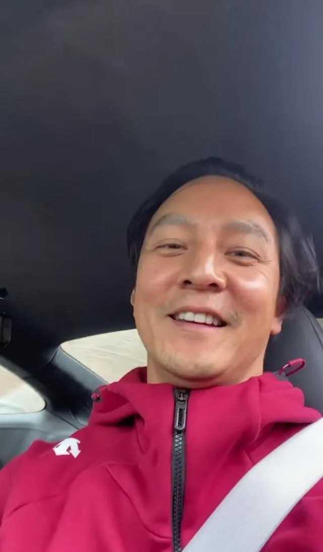 吳彥祖在IG拍影片分享心情,髮際線引起關注。(圖/翻攝自吳彥祖IG)