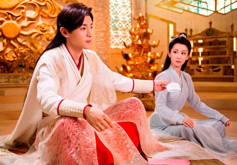 鄧倫、楊紫主演的《香蜜沉沉燼如霜》被封虐戀經典。(圖/中視)
