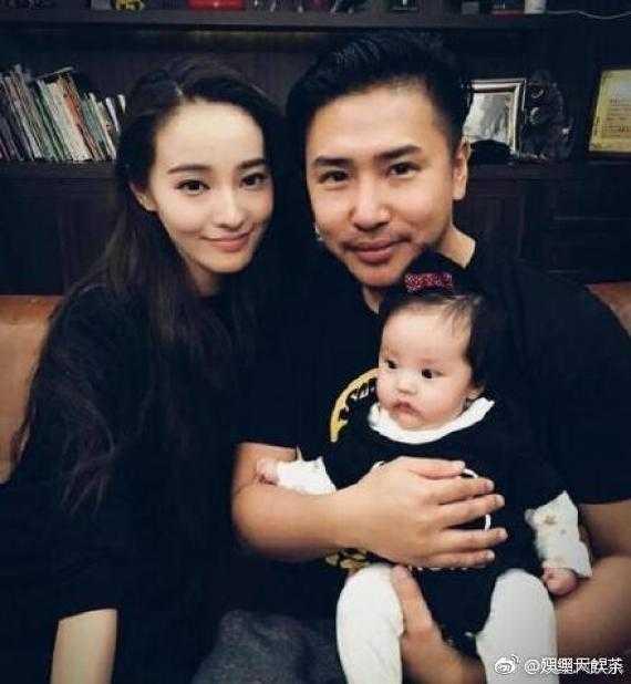 歐漢聲和老婆鄭雲燦育有一女JOJO。(圖/微博)