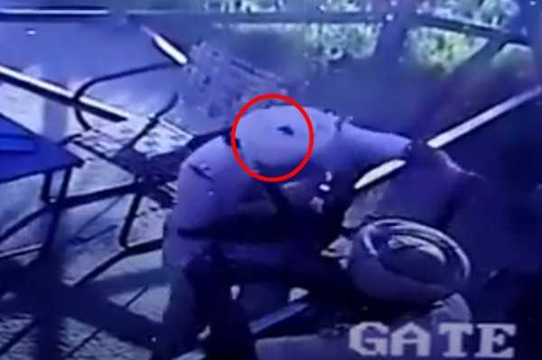 子彈穿過辛格右眼後,自頭頂射出。(圖/翻攝自YouTube)