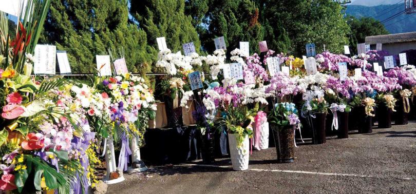 根據農委會統計,台灣人每年僅花300元買花,多數不是為了怡情養性,而是用於祝賀升官、婚喪喜慶等用途。(圖/報系資料庫)
