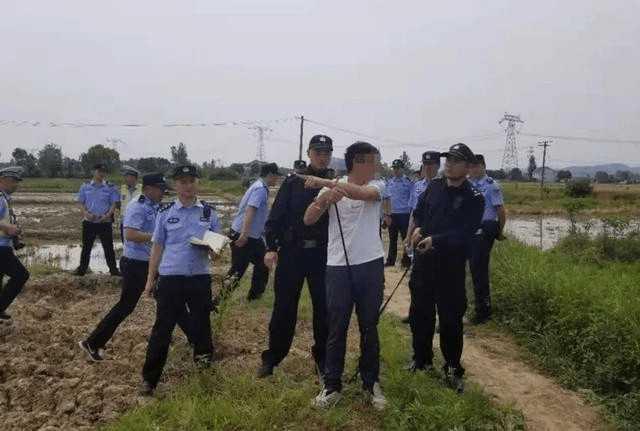 華男逃亡了18年,在各地四處流竄、居無定所。(圖/翻攝自微信)