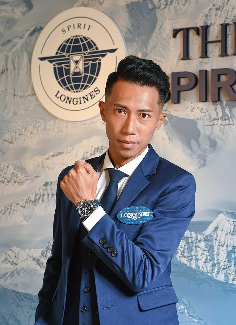 極地遠征冠軍陳彥博,選擇佩戴LONGINES「Spirit先行者」系列計時碼錶,展現大無所畏的冒險精神。