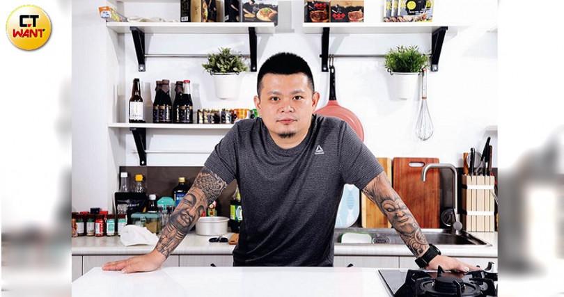 黃聖凱讓「錵鑶」從一家日式料理餐廳,變成跨國電商品牌。(圖/王永泰攝)