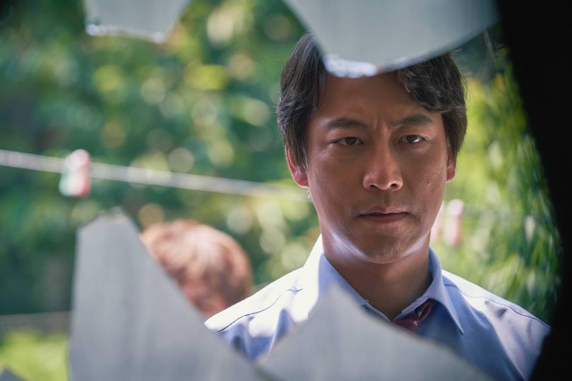 吳萬石飾演正義檢察官都志翰,正義凜然的形象超有觀眾緣。(圖/中天娛樂台)