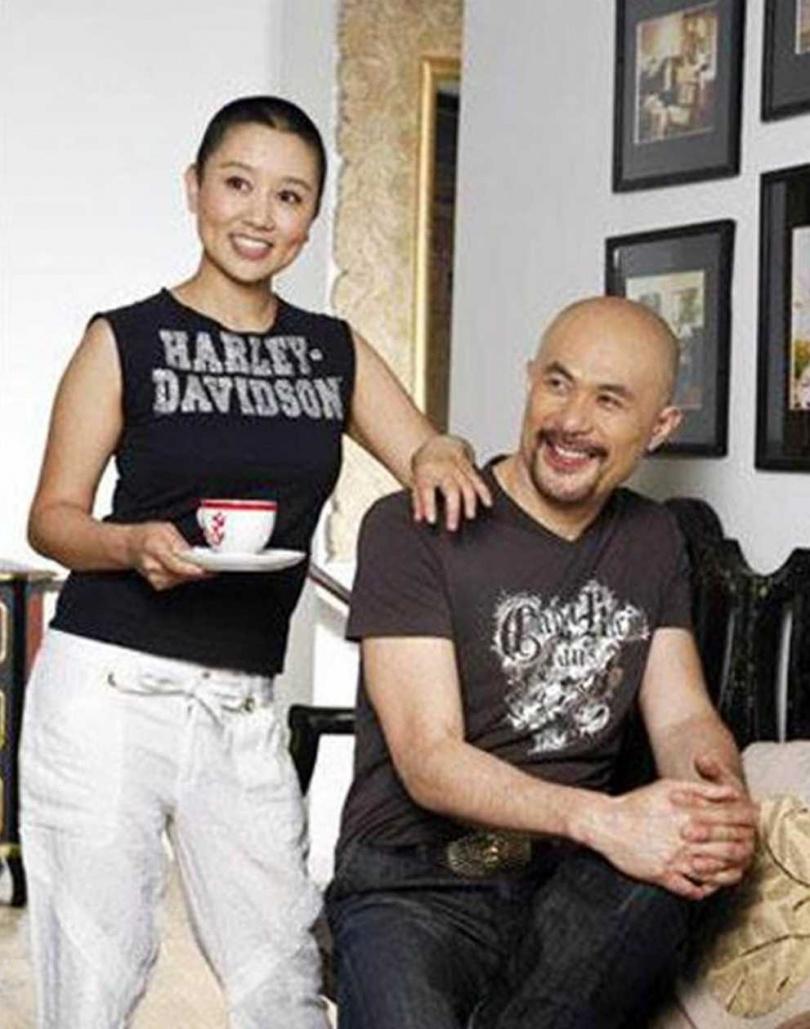 徐錦江和殷祝平走過了20個年頭,兩人依然如膠似漆。(圖/翻攝自微博)