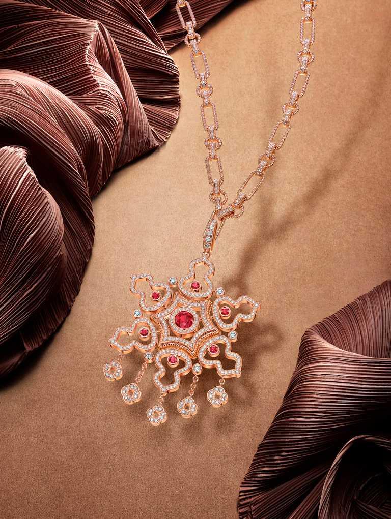 Qeelin「Wulu Legend」系列(日常款),18K玫瑰金鑽石紅寶石耳環╱109,000元。(圖╱Qeelin提供)