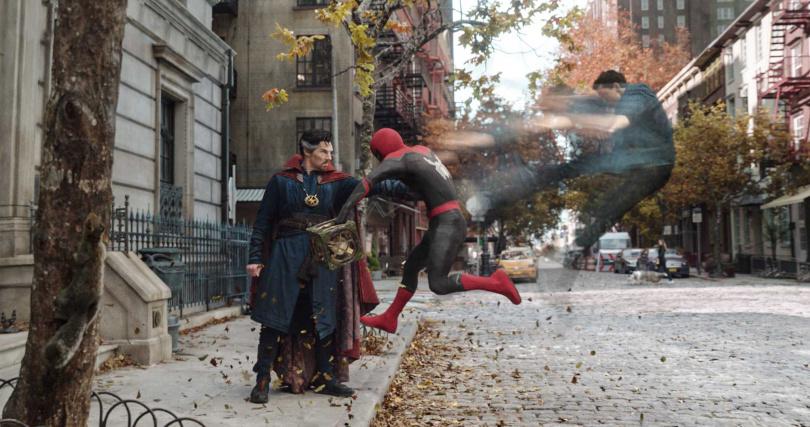 彼得帕克被揭露是蜘蛛人出現身分危機。