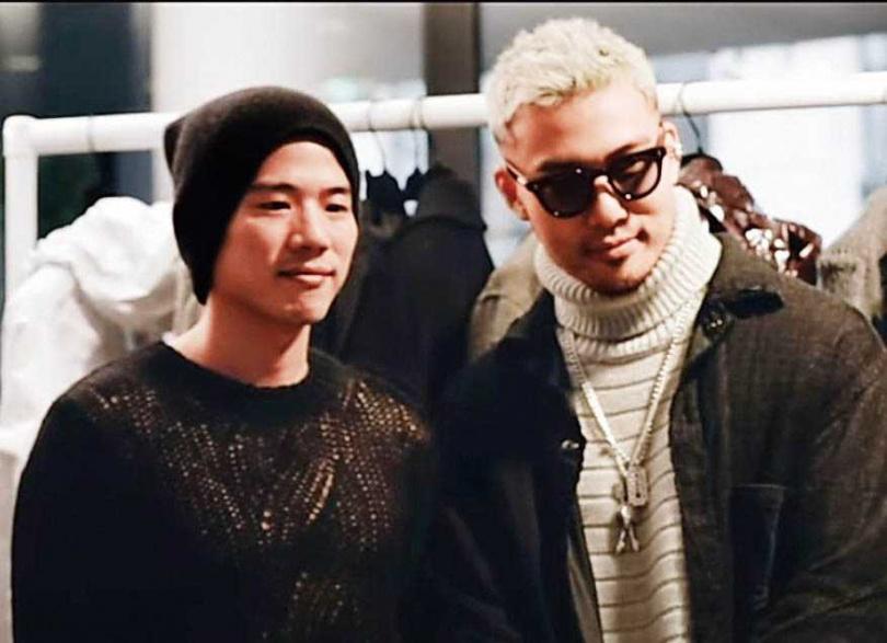 吳東亮長子吳昕威(左)2016年在法國巴黎成立個人時尚品牌,《GQ》雜誌在報導2020年秋冬男裝周時,特地前往採訪。(圖/翻攝自GQ YouTube頻道)
