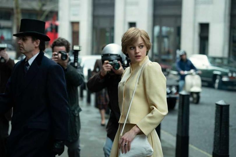 艾瑪柯林以在《王冠》中飾演黛安娜王妃一角,奪得金球獎最佳戲劇類影集女主角。(圖/Netflix提供)