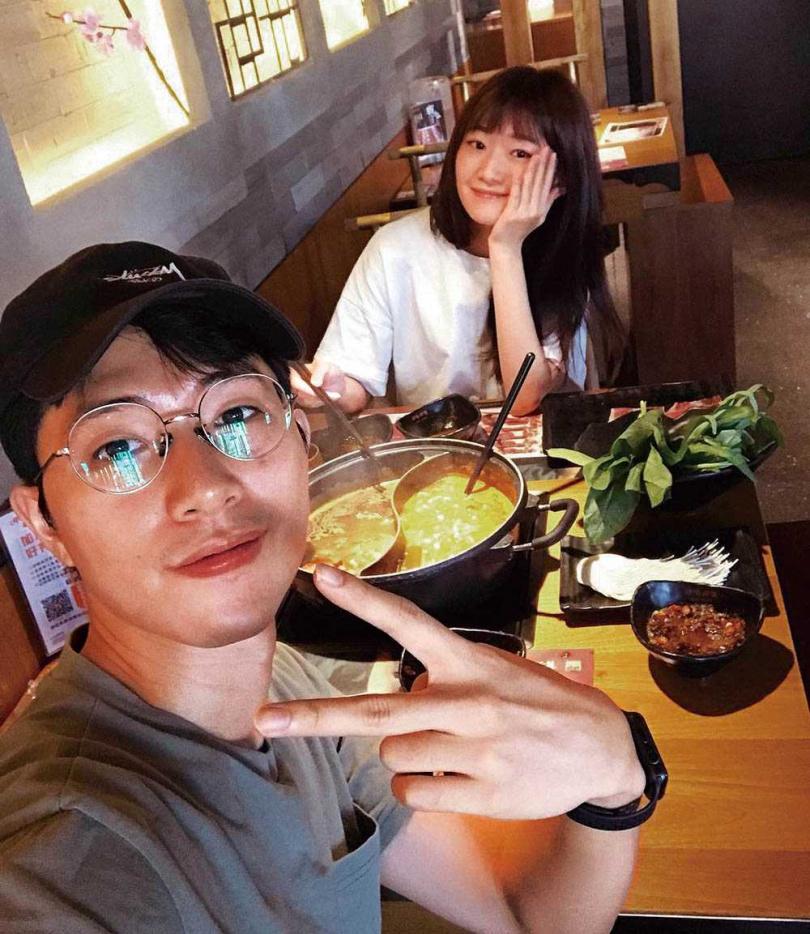 擁有同門情誼的晏柔中與楊孟霖,私下常相約吃飯。(圖/翻攝自楊孟霖臉書)