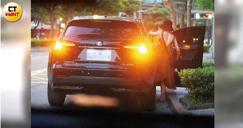Lulu與合作7年的主持搭檔陳漢典交情不錯,日前還坐上對方的車到家中聚會。(圖/本刊攝影組)