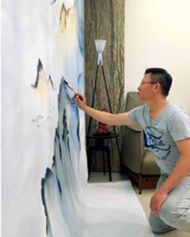 從小喜歡畫畫,加上高職讀美工科,讓滿林昌走上設計之路。(圖/翻攝自大滿室內設計臉書)