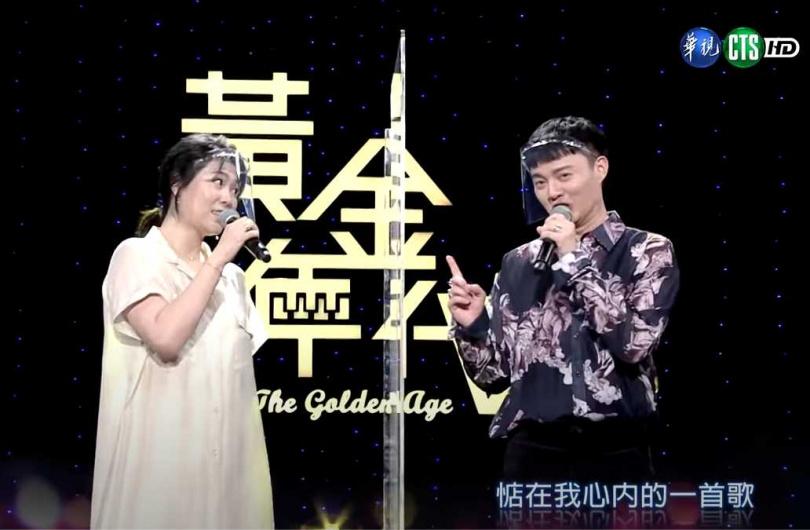 曹雅雯和許富凱曾經同屬「時代創藝」經紀公司,兩人出道時間和年齡都相仿,因此常合唱歌曲互相幫襯。(圖/翻攝自曹雅雯臉書)