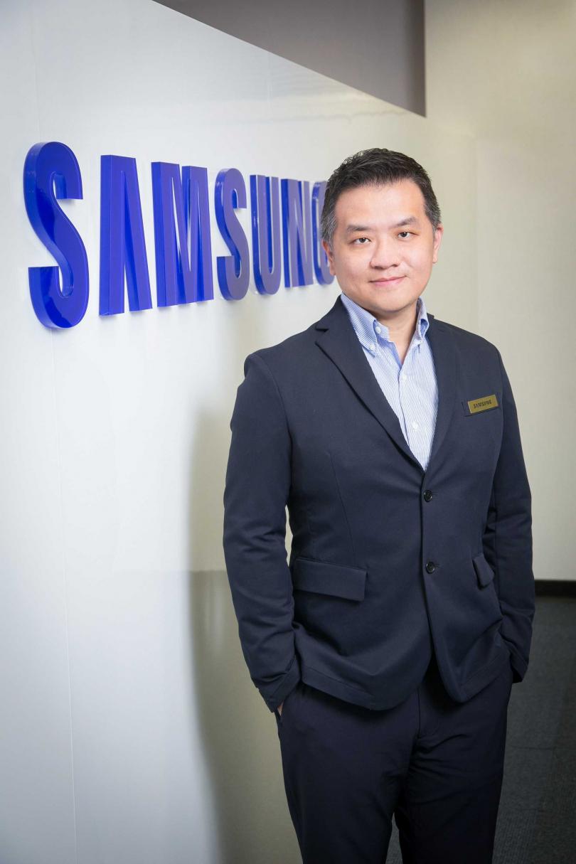 台灣三星電子行動與資訊事業部副總經理陳啟蒙對電信業提出建議,可參考韓國經驗,祭出無痛升級方案。(圖/三星提供)