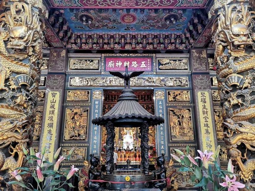 石碇五路財神廟環境清幽,據說十分靈驗,擁有不少信眾。