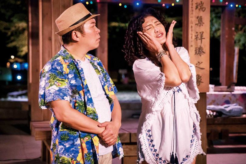 歌手出身的姚黛瑋,在戲劇、主持和模仿秀等領域都相當成功,去年曾客串演出連續劇《守著陽光守著你》。