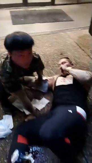 館長28日凌晨遭人槍擊。(圖/翻攝自臉書飆捍粉絲團)