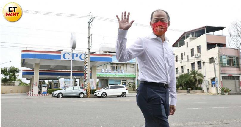 泰山總經理詹景超於股東會後,陪同董事成員參觀泰山彰化廠。(圖/王永泰攝)