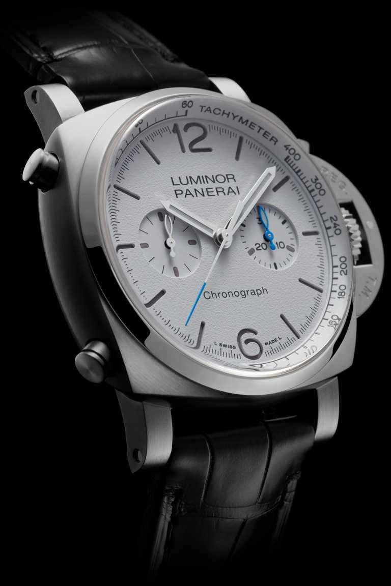 PANERAI「Luminor Chrono」計時腕錶(#PAM01218),磨砂精鋼錶殼,44mm,P.9200型自動上鏈機芯,白色啞光三明治錶盤╱280,000元。(圖╱PANERAI提供)