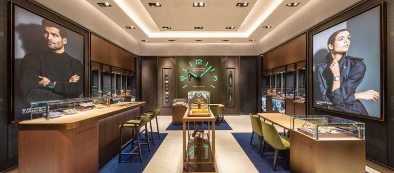 沛納海高雄義享天地專賣店,佔地23.43坪,內裝色調分別映照四大經典系列的錶殼色彩。(圖╱PANERAI提供)