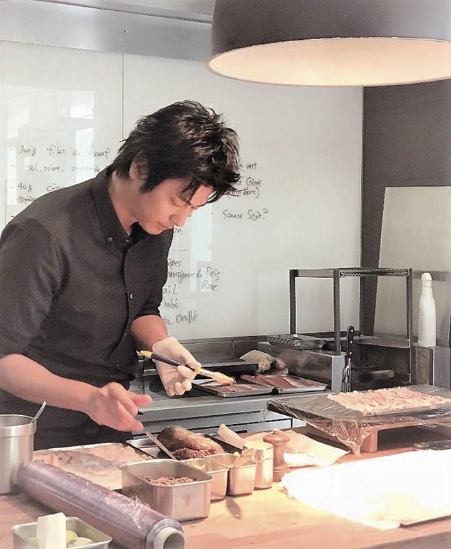 速水茂虎道的「主廚」形象深植人心,讓他成功轉型,創下事業新高峰。(圖/翻攝自IG)