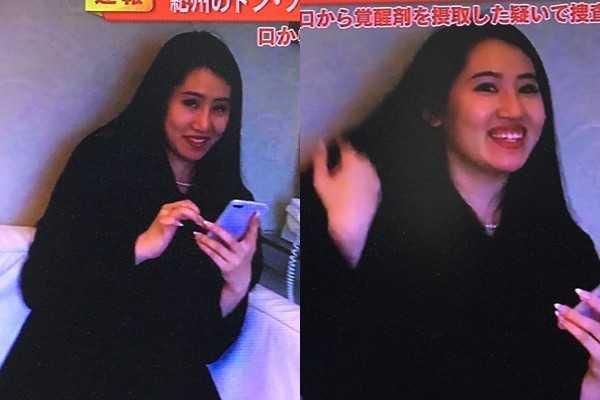 須藤在野崎的告別式後,被拍到貌似心情很好,面露笑容、不見哀痛。(圖/翻攝自推特)