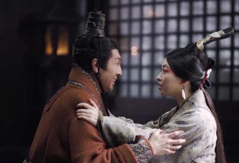 張魯一演出朱珠的兒子,畫面令人印象深刻。(圖/騰訊網)