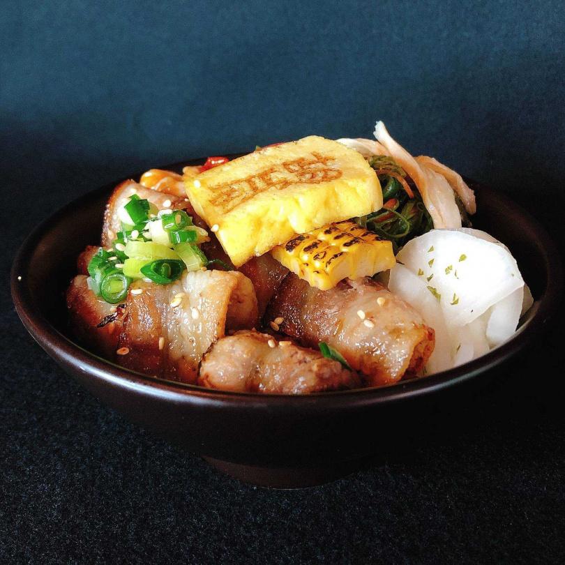「豐野豚味胡同蕈菇飯」。(260元,圖/胡同裏的蘭提供)