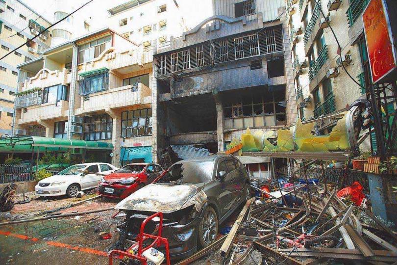 台中市東海商圈民宅氣爆,造成4死1傷,現場一片狼藉。(圖/資料照片)